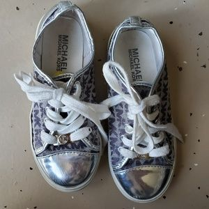 MICHEAL KORS Shoes in girls size 1